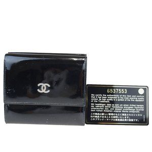 Chanel Coco Mark Round Zipper Patent Leather Wall